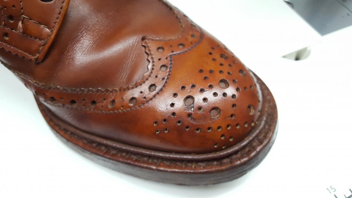 色あせた靴