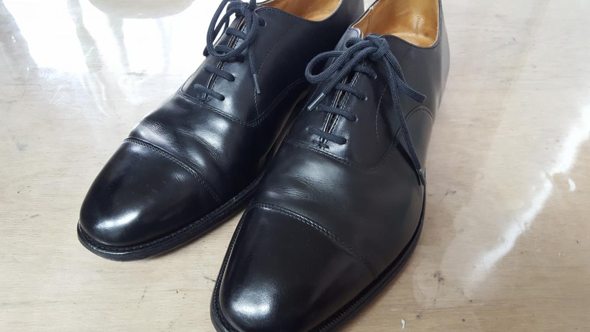 チャーチの革靴
