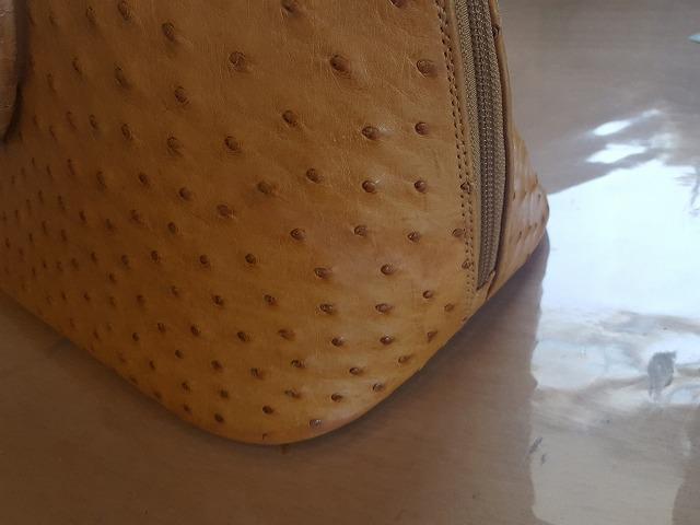 革バッグの修復