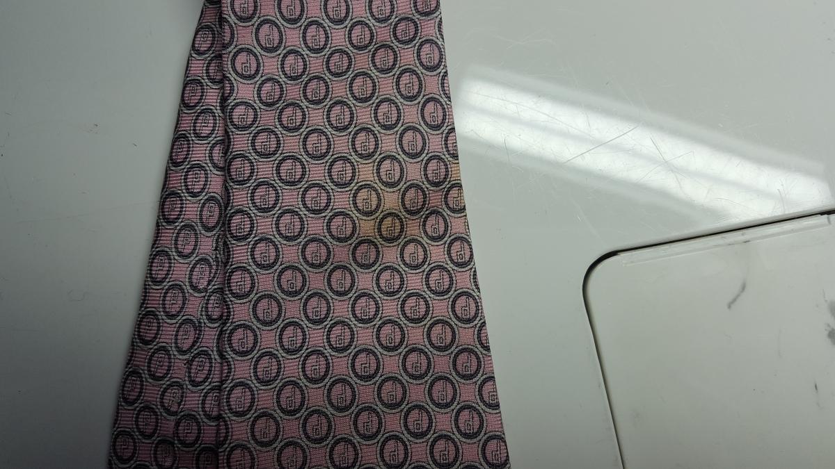 ネクタイの染み抜き